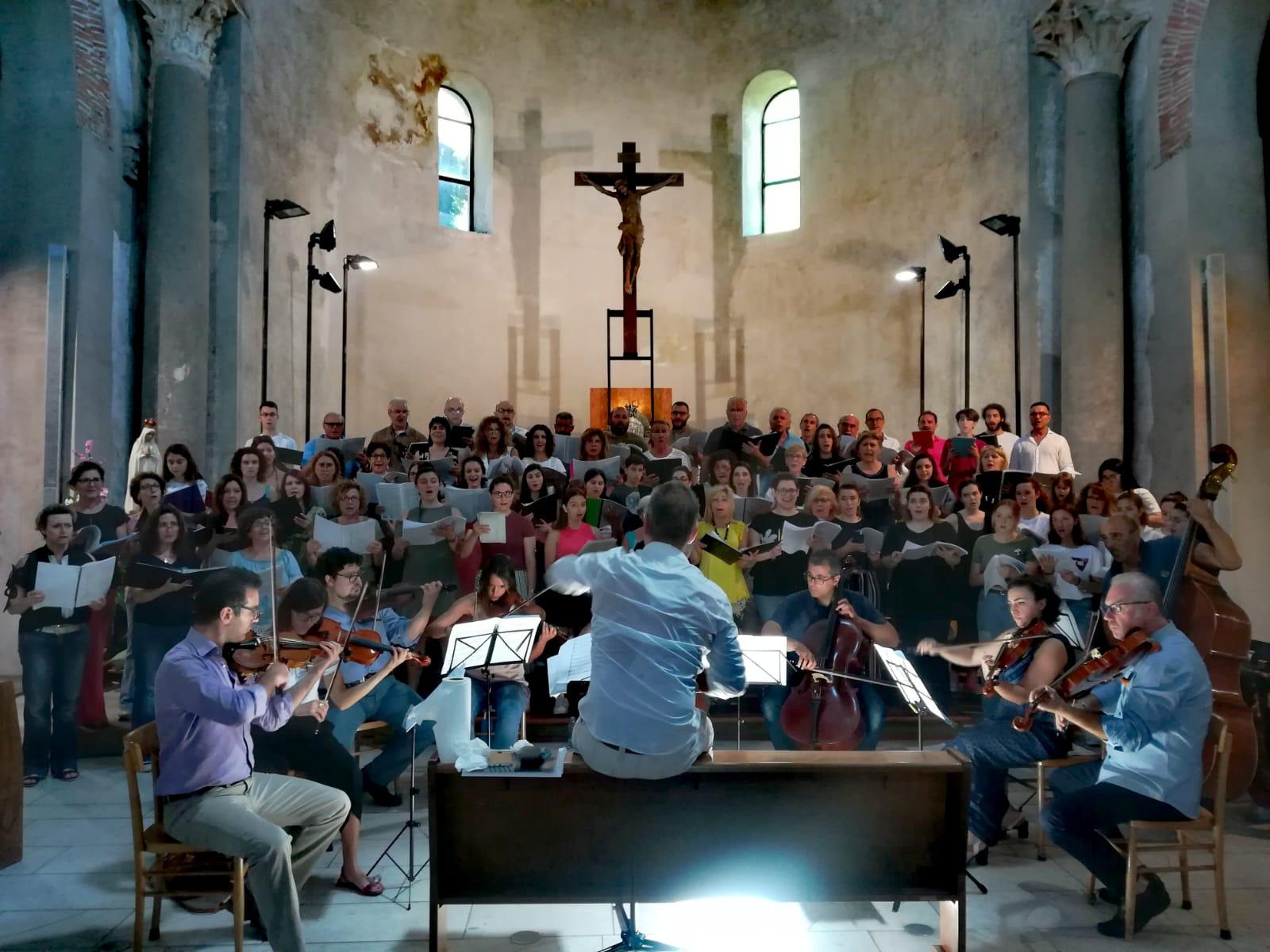 Per la prima volta a Salerno il coro dei cori campani ...